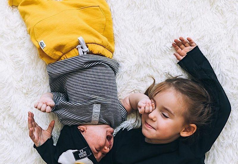 Что можно подарить на месяц ребёнку?