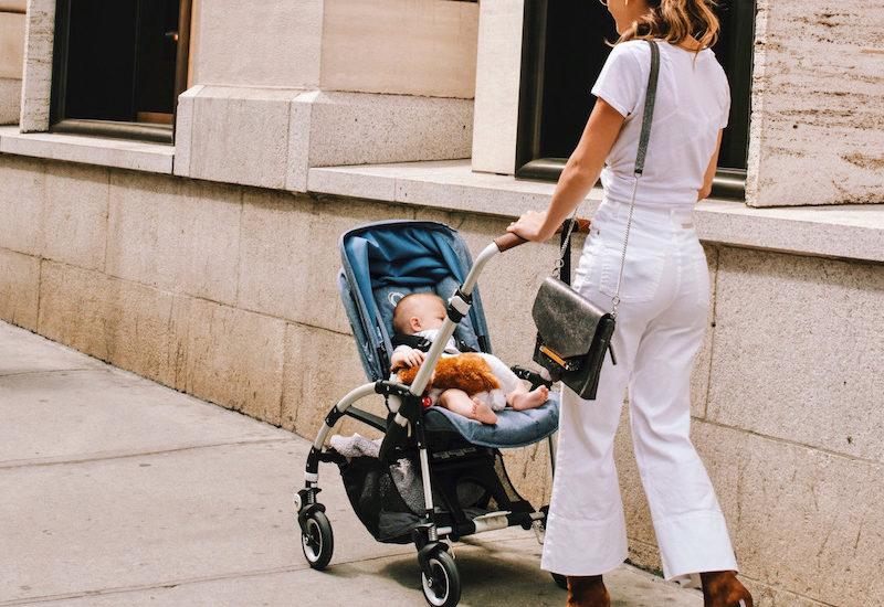 Что подарить ребёнку на 10 месяцев?