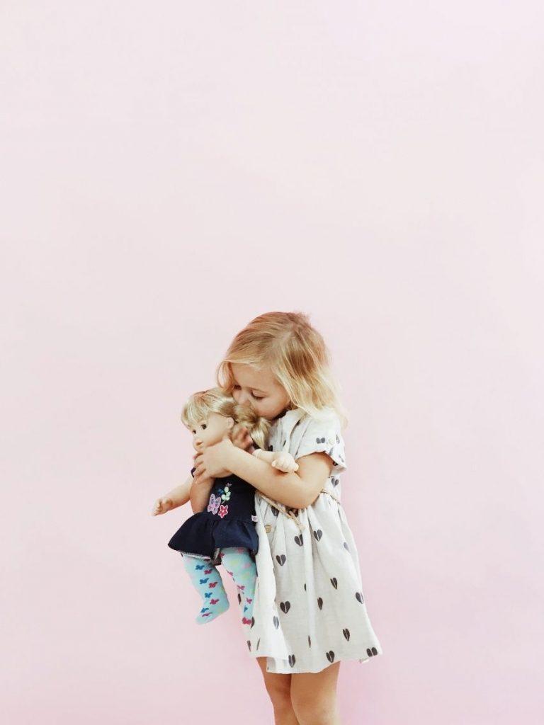 Что подарить племяннице на Новый год